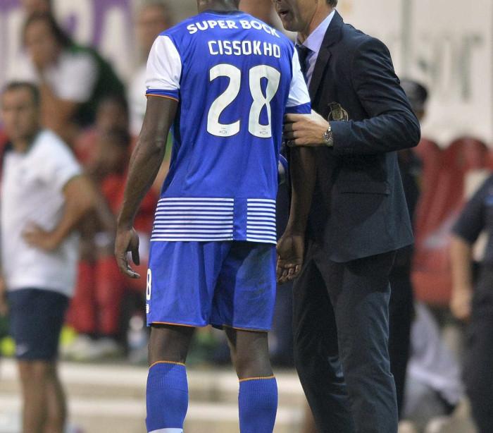 Cissokho poderá regressar ao Aston Villa em janeiro