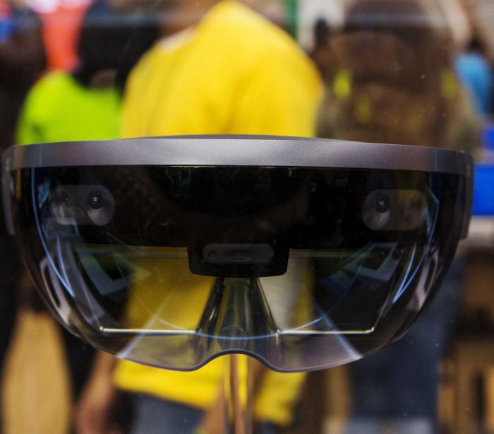 Bateria do HoloLens durará 5.5 horas