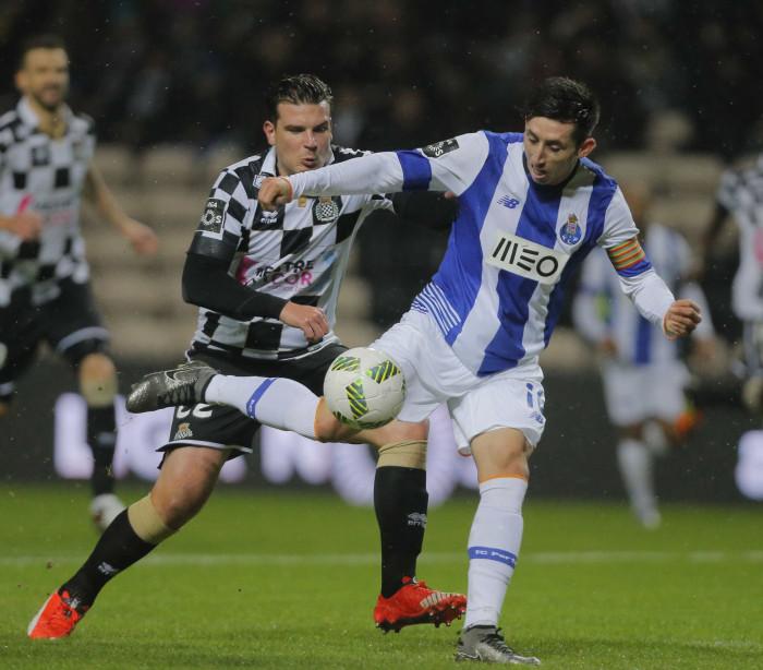 Nápoles dá 18 milhões por Herrera