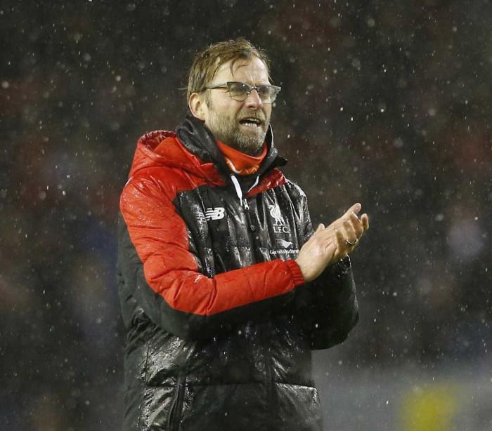 Com dois gols de Firmino, Liverpool e Arsenal empatam em jogo movimentado