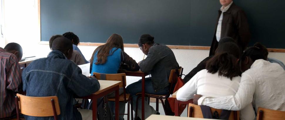 Proposta rescisão a professores com menos de 60 anos até Janeiro