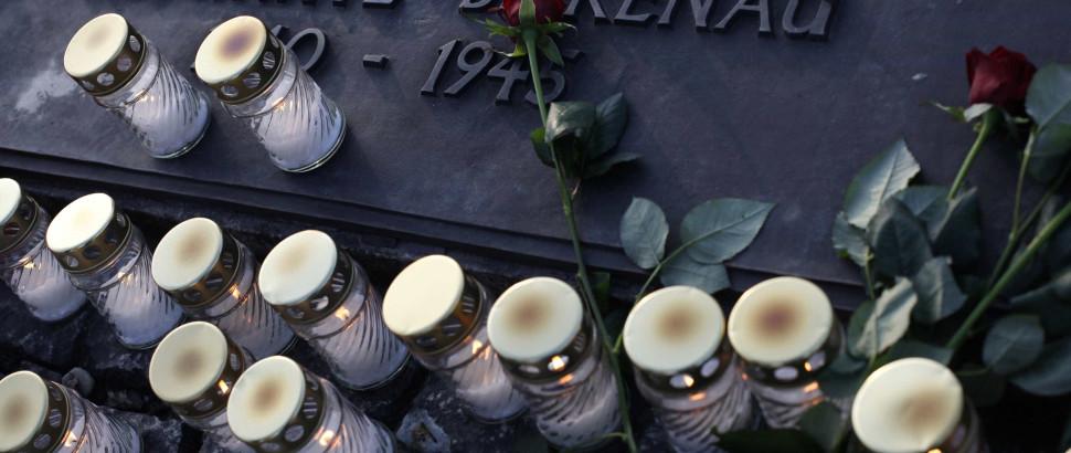 Mais de 1.200 alunos marcharam para evocar Auschwitz - Notícias ao Minuto
