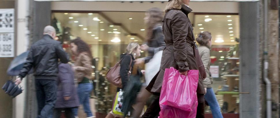 Portugueses aderem a comércio online