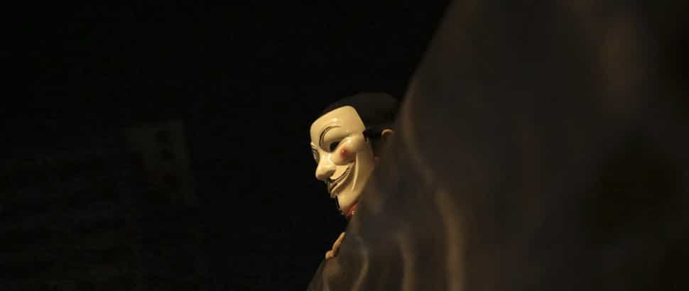 Anonymous atacam sites do BES, Barclays e Banif