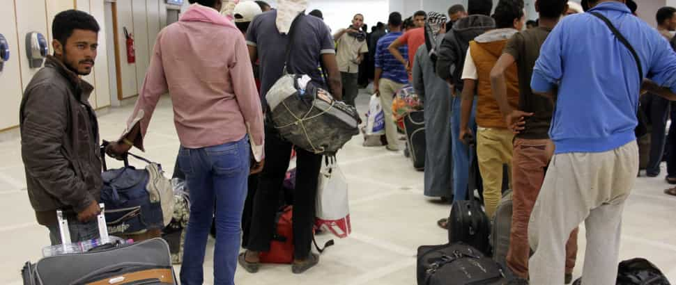 Islamitas líbios dizem ter ocupado aeroporto de Tripoli