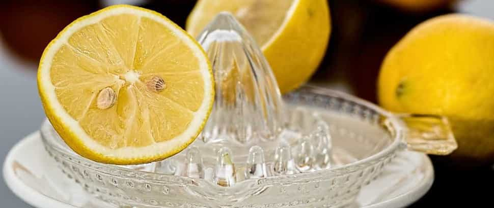 Água com limão faz (mesmo) bem à saúde Naom_555ee9ccb045d