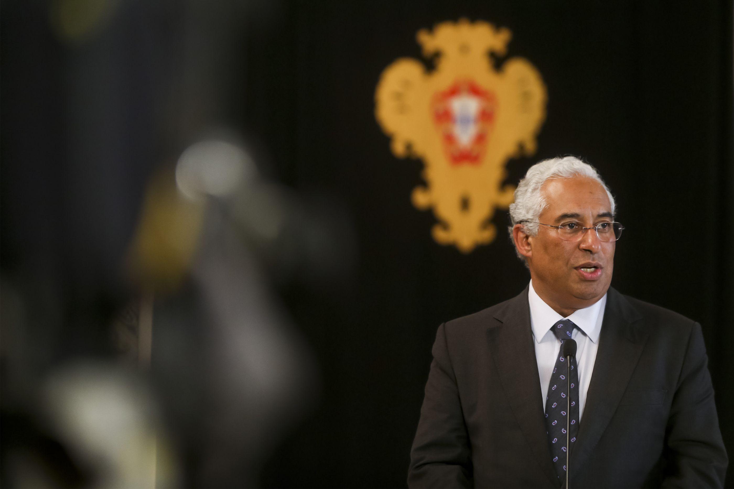 "António Costa, o ""grande ilusionista"" com ""superpoderes"""