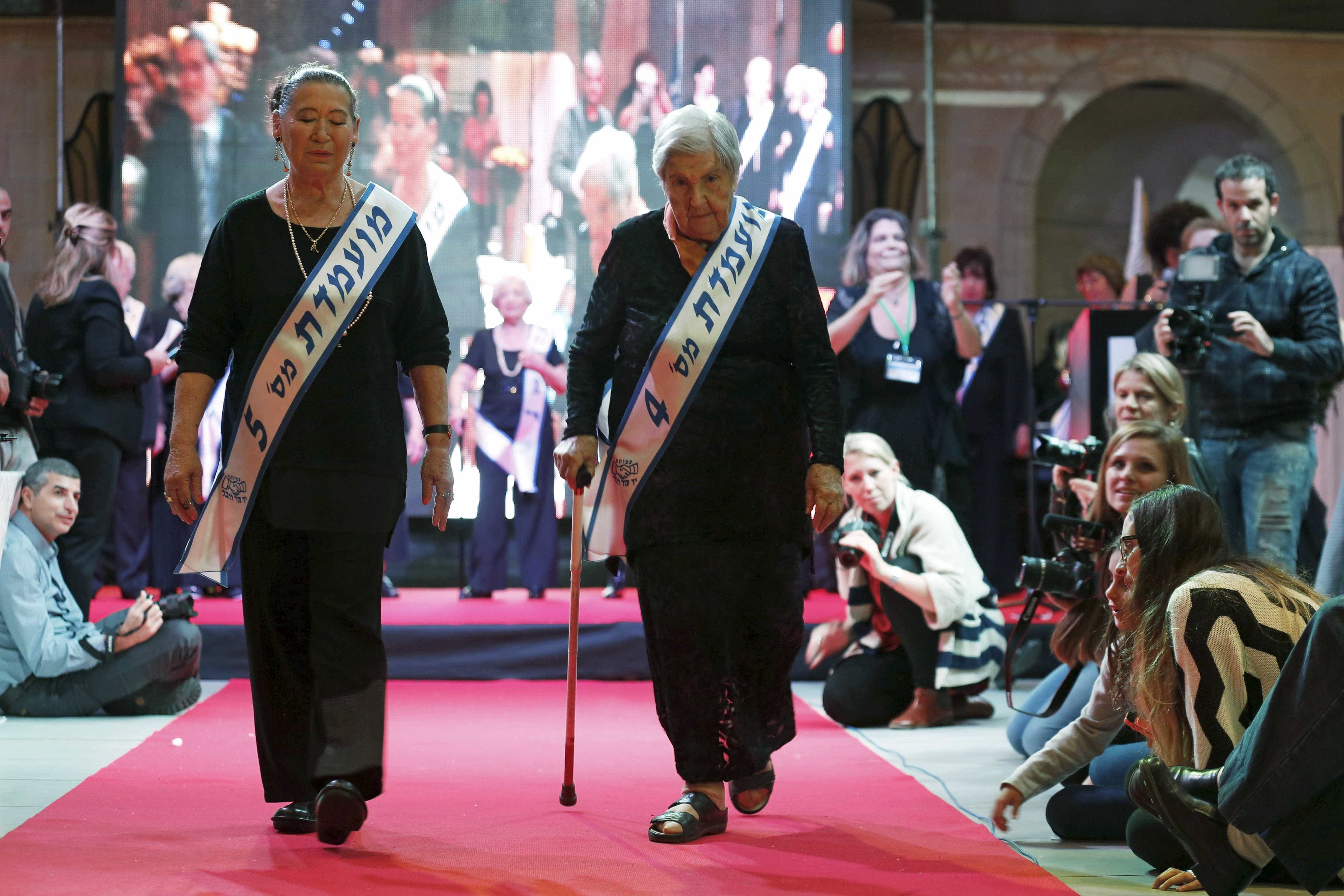 Sobreviventes disputam concurso de beleza 'Miss Holocausto'