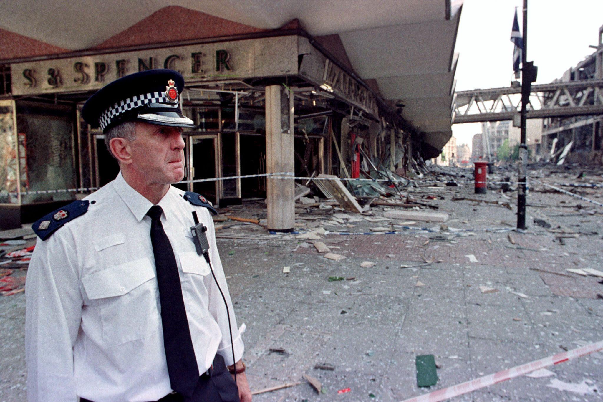 Sabiam que a bomba explodiria, mas não foram embora sem avisar as pessoas