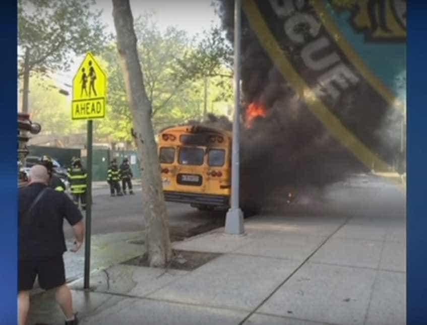 Ataque Escola Suzano Gallery: Estudantes Negros Incendeiam