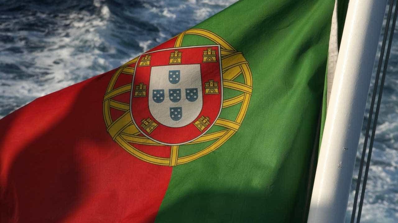 """Governo tem """"sinalizado Portugal como boa localização"""" para empresas"""
