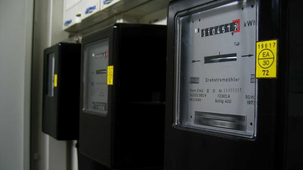 Fraude em contadores de eletricidade? Saiba o que fazer