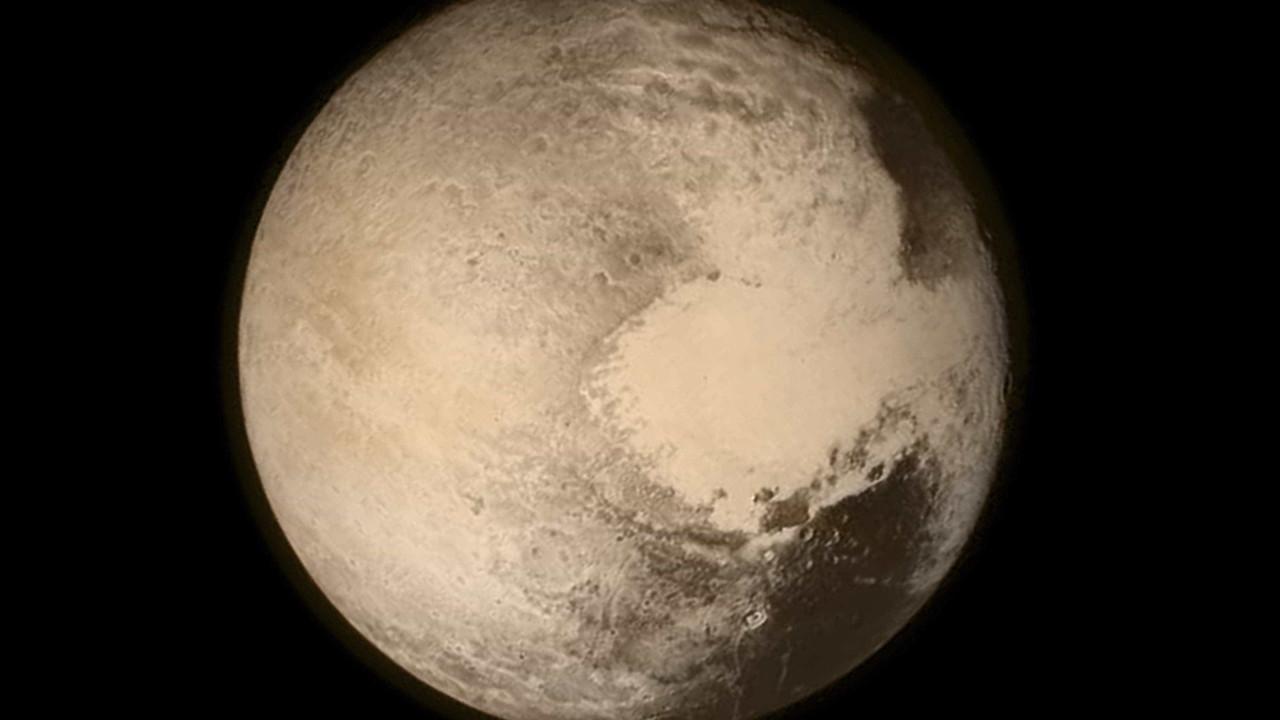 Nova teoria aponta que Plutão não é um planeta mas sim um cometa gigante
