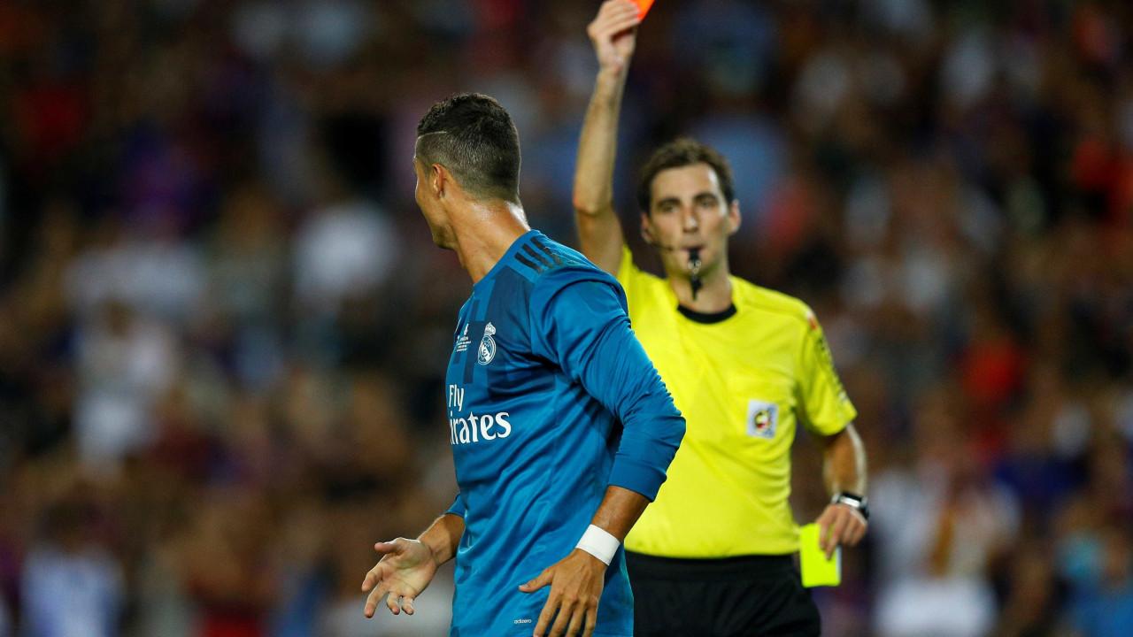 Oficial: Federação Espanhola mantém cinco jogos de castigo a Ronaldo