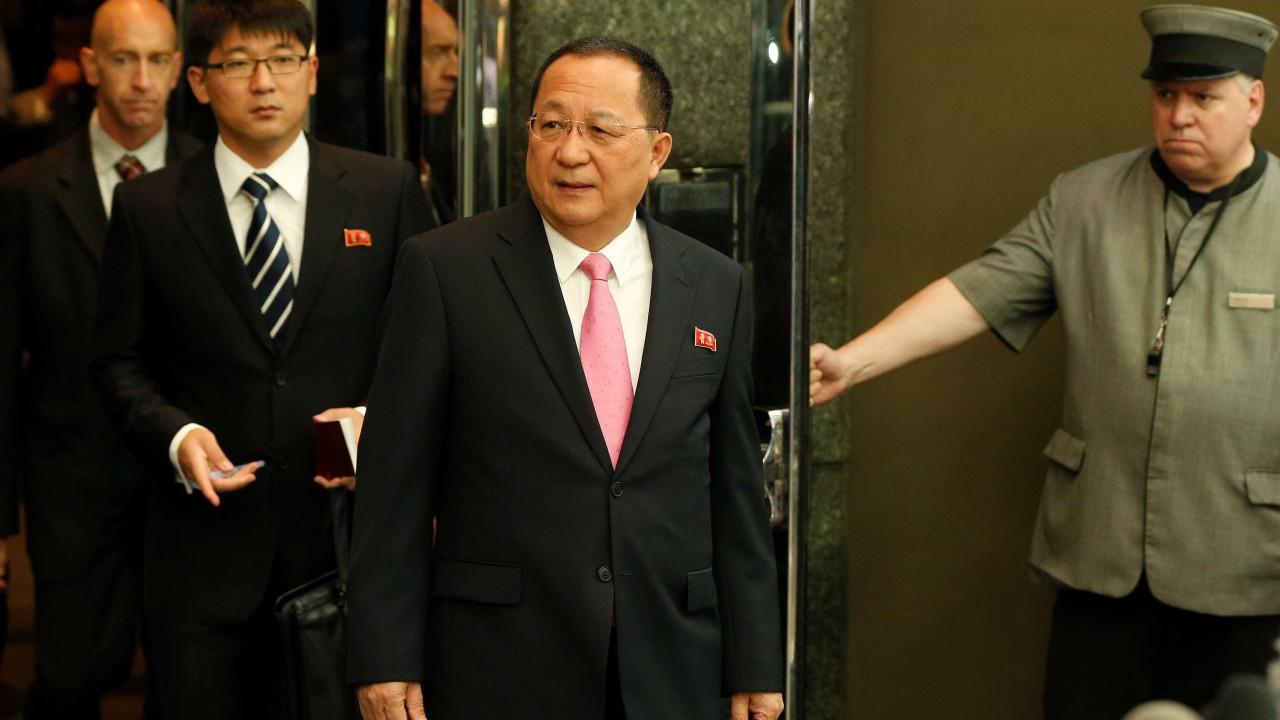 """""""Trump declarou guerra à Coreia do Norte"""", revela ministro"""