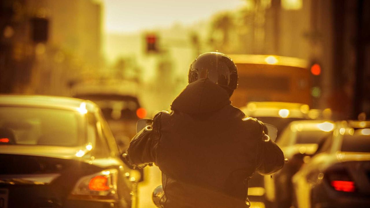 Governo aprova carta de condução para motos a partir dos 14 anos