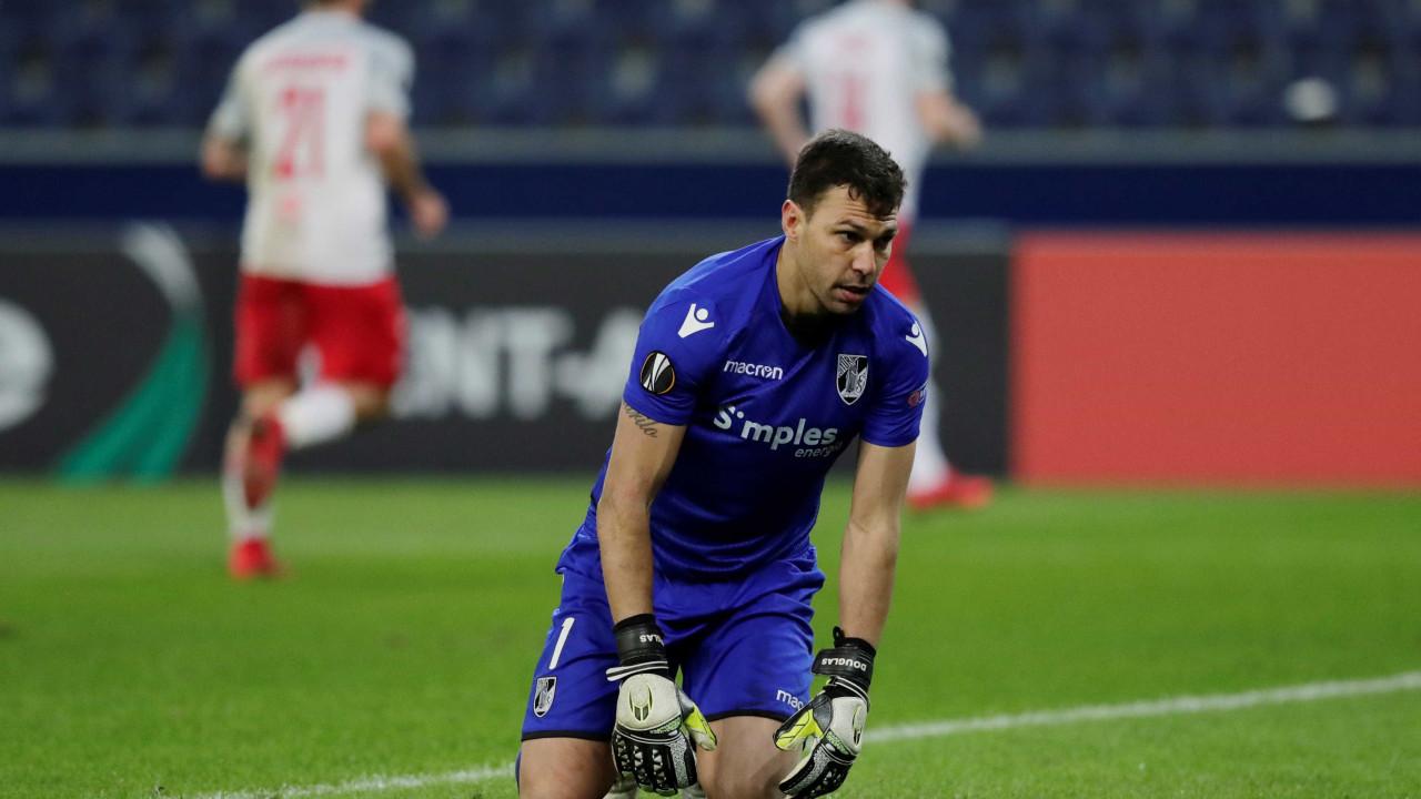 Vitória perde na Áustria e complica as contas na Liga Europa