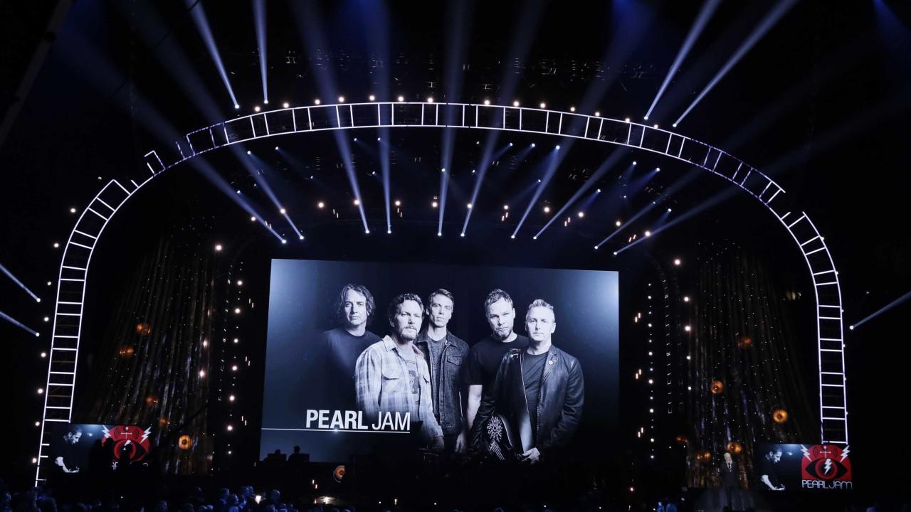 Fãs portugueses de Pearl Jam estremecem. Cancelado concerto em Londres
