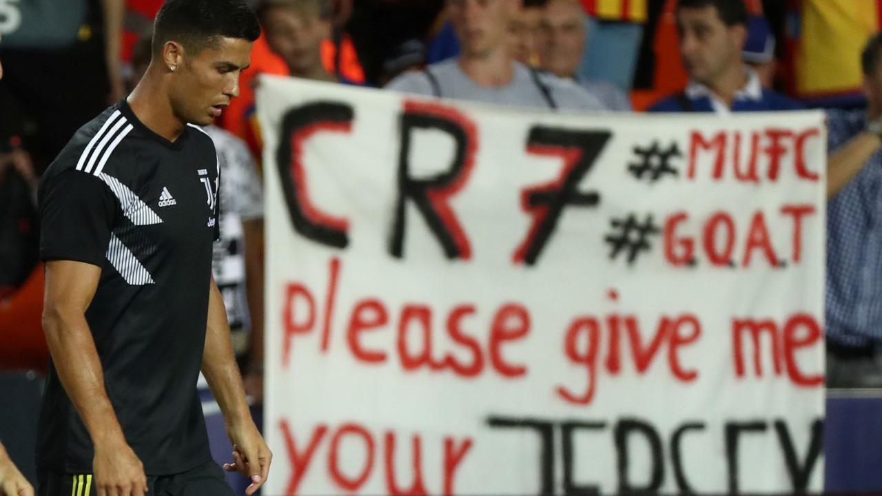 Ronaldo sai em lágrimas após expulsão na estreia europeia pela Juve