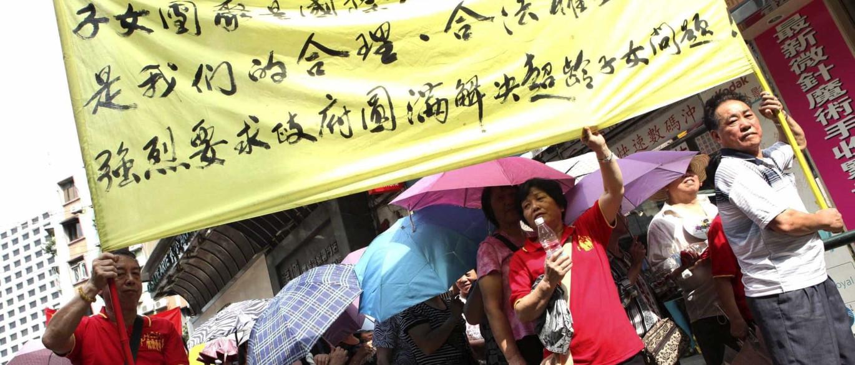 Centenas de pessoas protestam em Macau no Dia Nacional da China