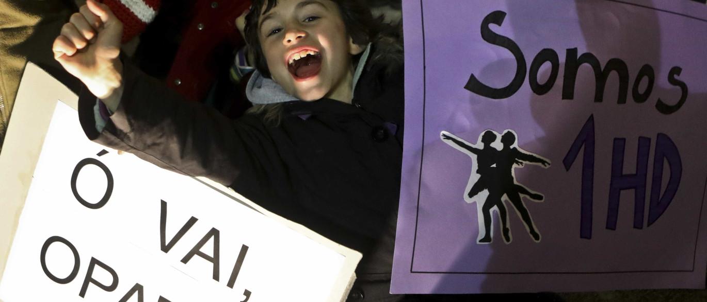 Crianças protestam contra cancelamento de espectáculo no Teatro Camões