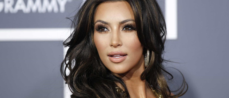 Kim Kardashian apaga foto em homenagem às vítimas, após ser criticada