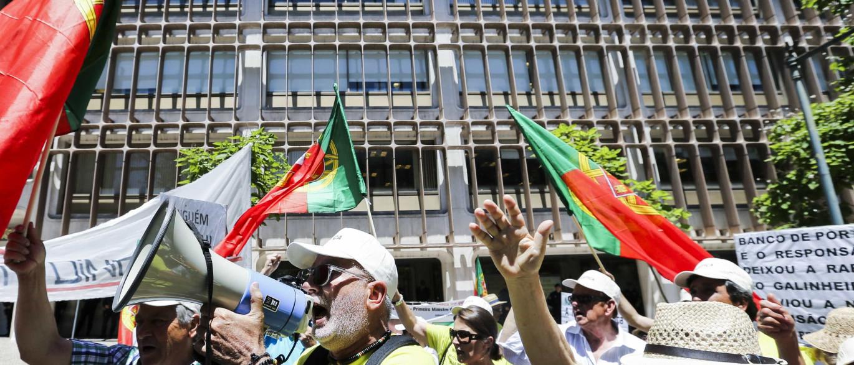 Resultado de imagem para Novo Banco e funcionários processados por emigrantes lesados