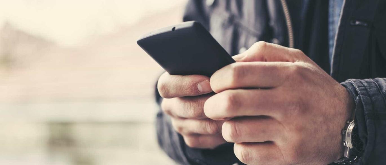 Uso excessivo do telemóvel provocou tumor cerebral. Palavra de juiz