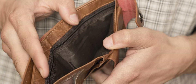 Funcionários públicos recuperam salário completo a partir de hoje