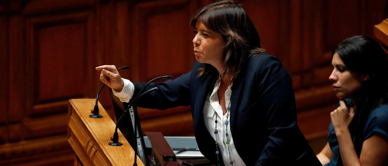 """Offshores: Bloco estranha """"silêncio ensurdecedor"""" de Maria Luís"""