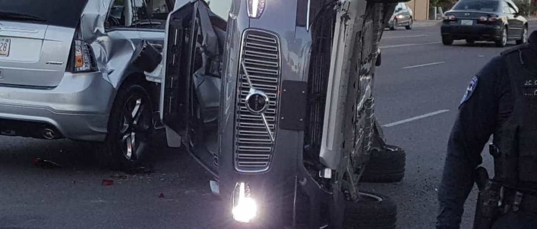 Carro autónomo da Uber em acidente grave. Culpa foi de carro com condutor