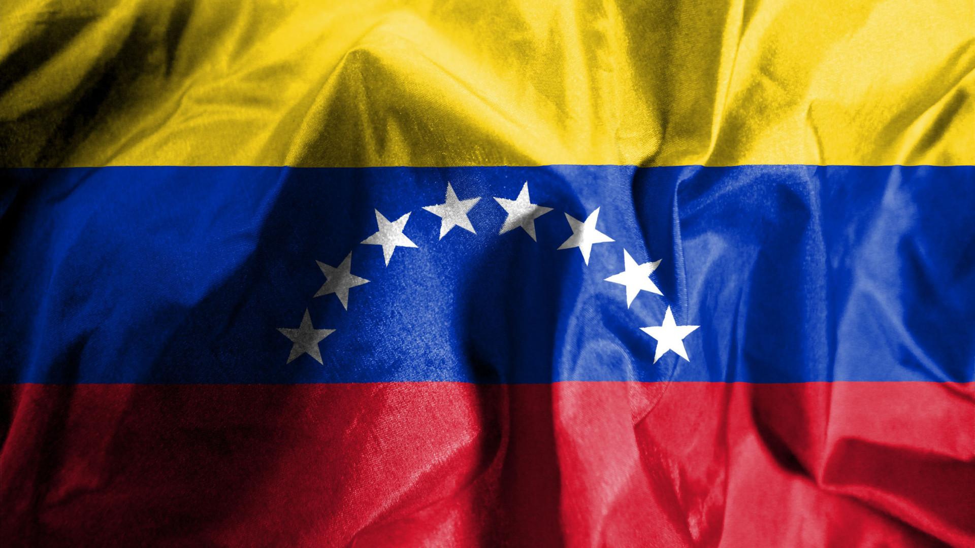 Governo venezuelano liberta ex-dirigente estudantil Lorent Saleh