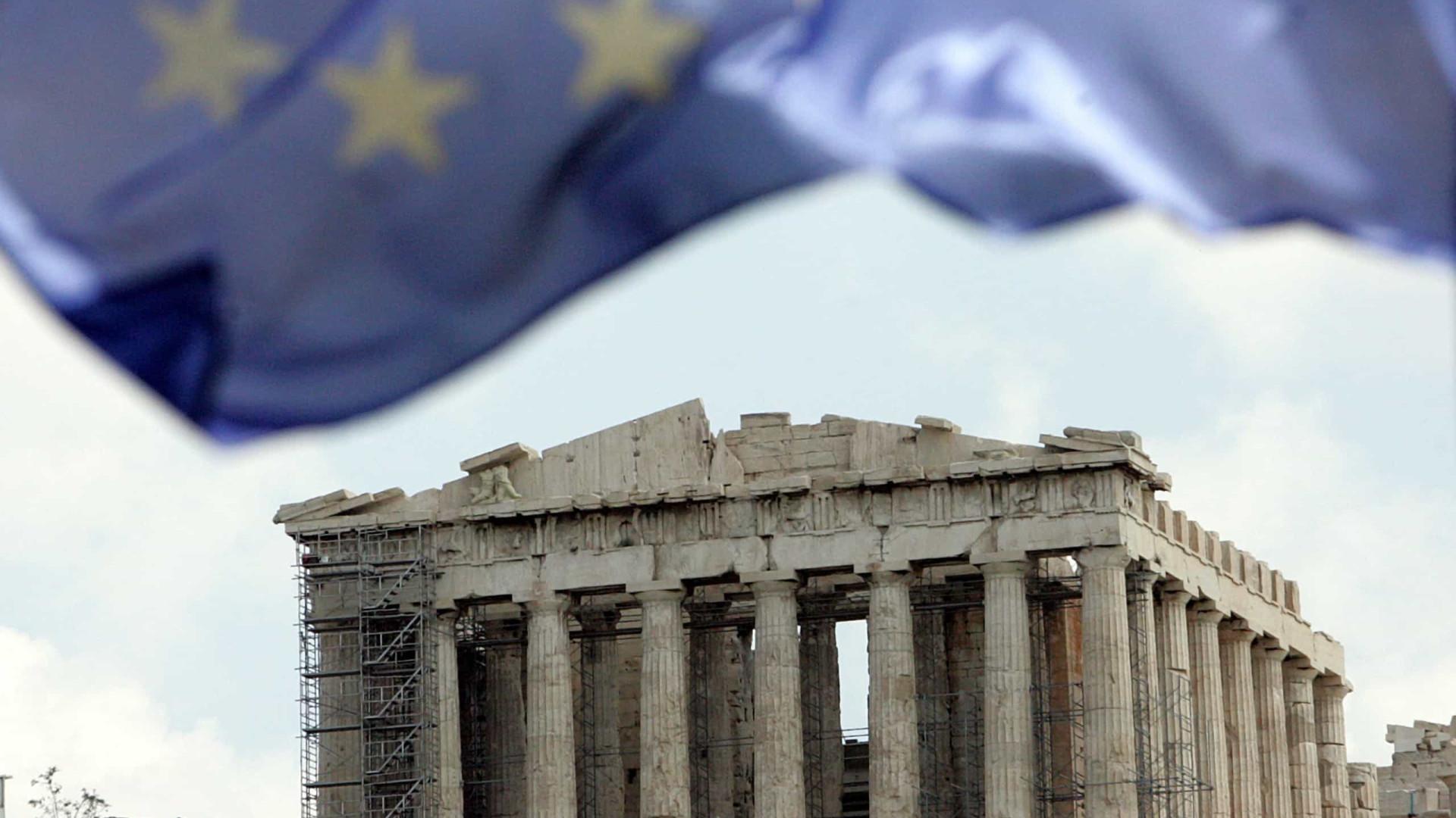 Grécia diz 'adeus' ao procedimento por défice excessivo
