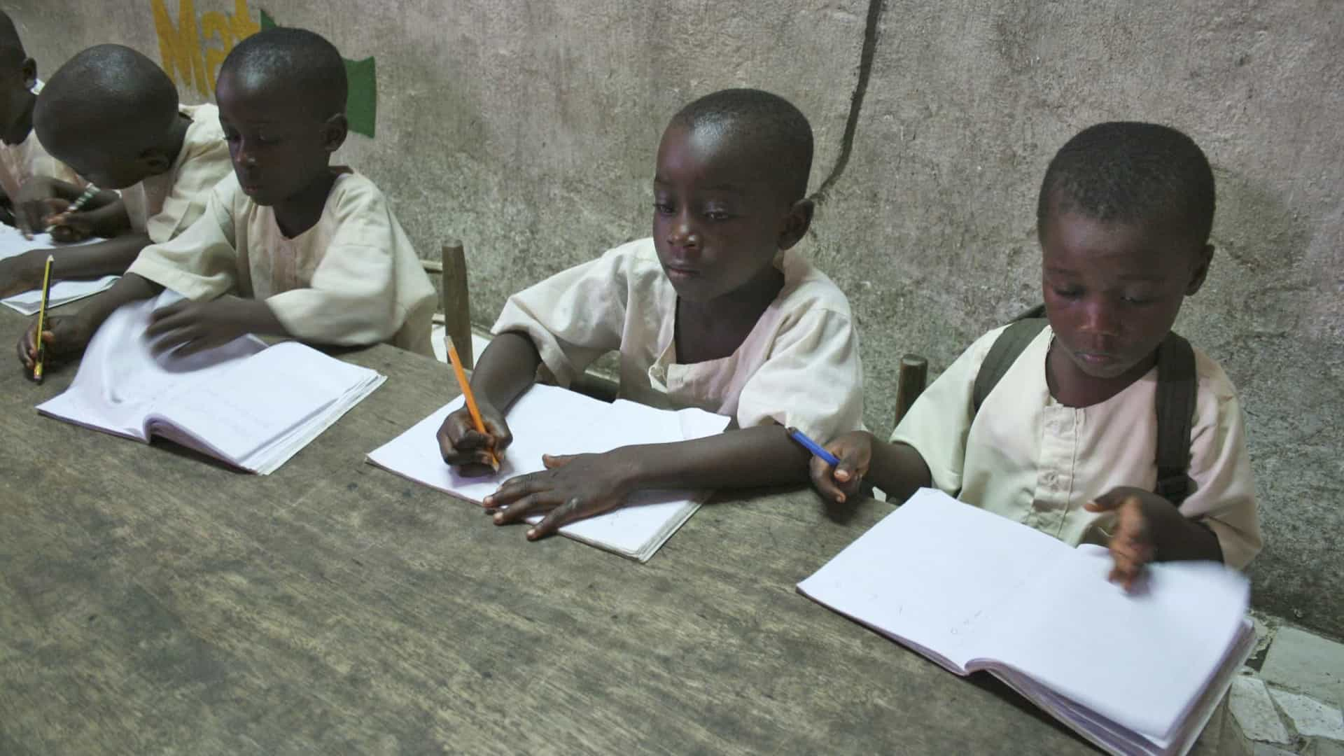 Escolaridade passa a ser obrigatória até ao 9.º ano em Angola