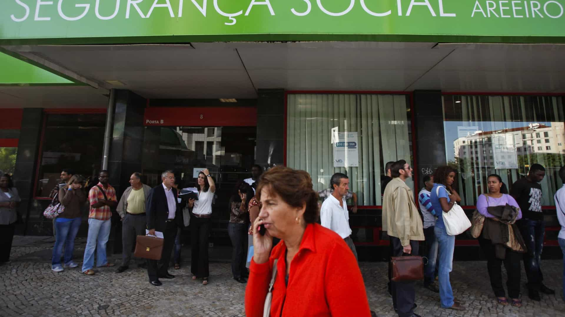 Mais de 214 mil pessoas receberam Rendimento Social de Inserção em abril