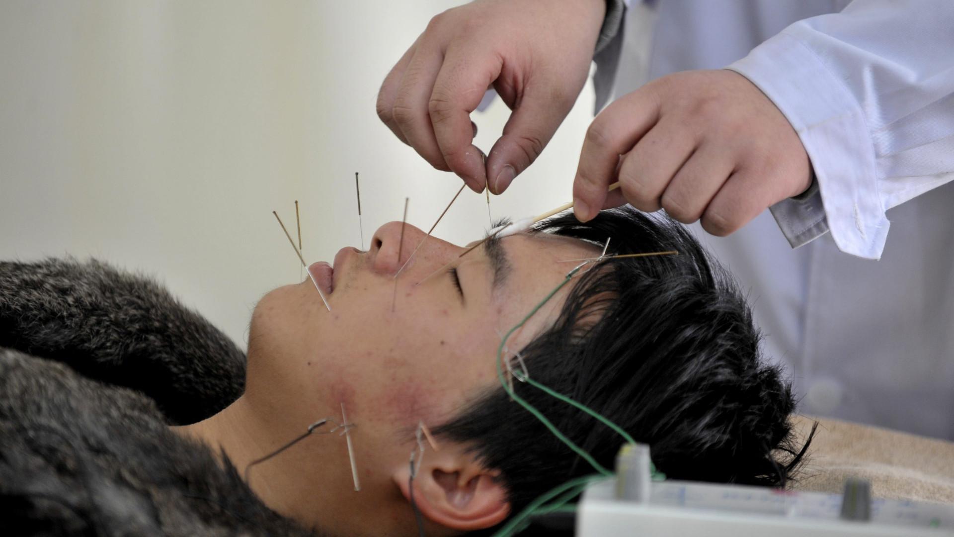 OMS defende padronização internacional da medicina tradicional chinesa