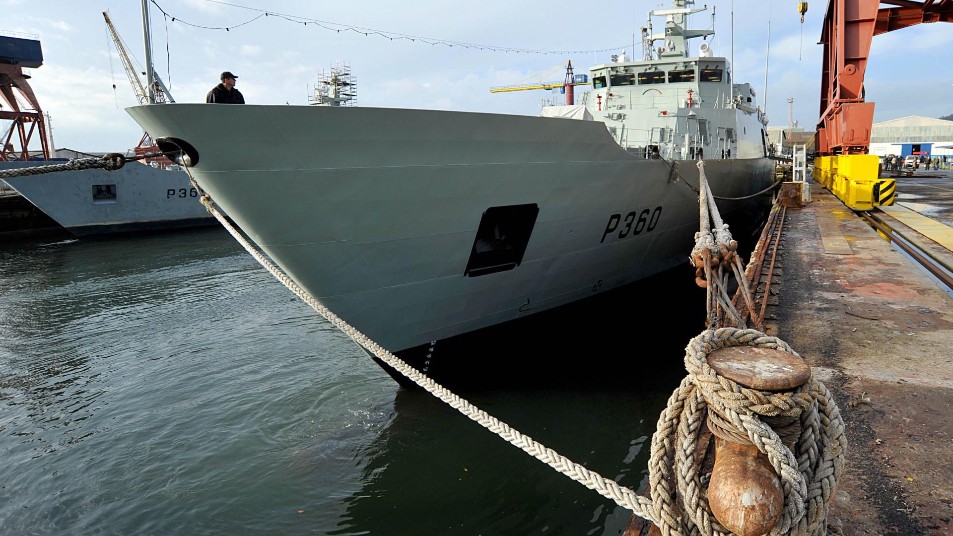 Primeira mulher a comandar um patrulha oceânico da Marinha tomou posse