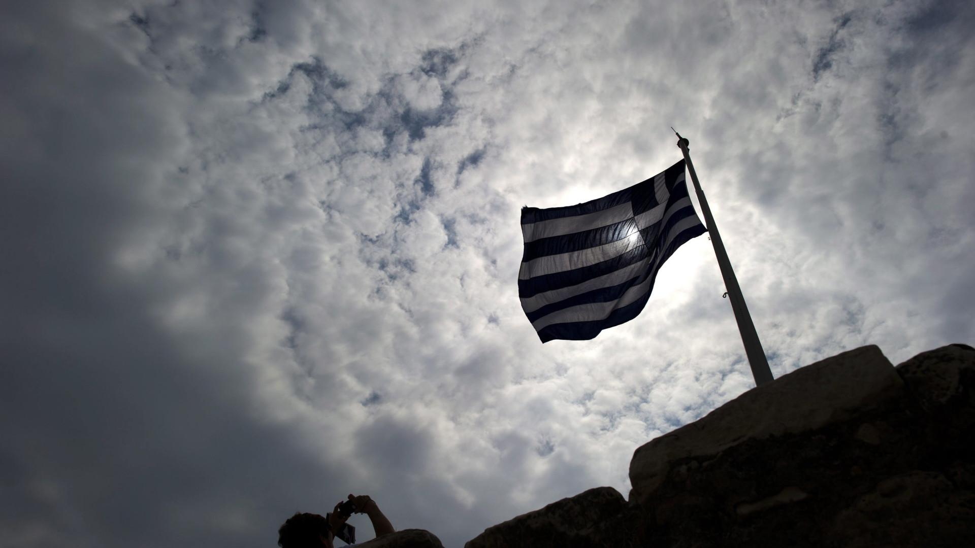 CE confiante que Grécia cumprirá condições para sair de ajuda externa