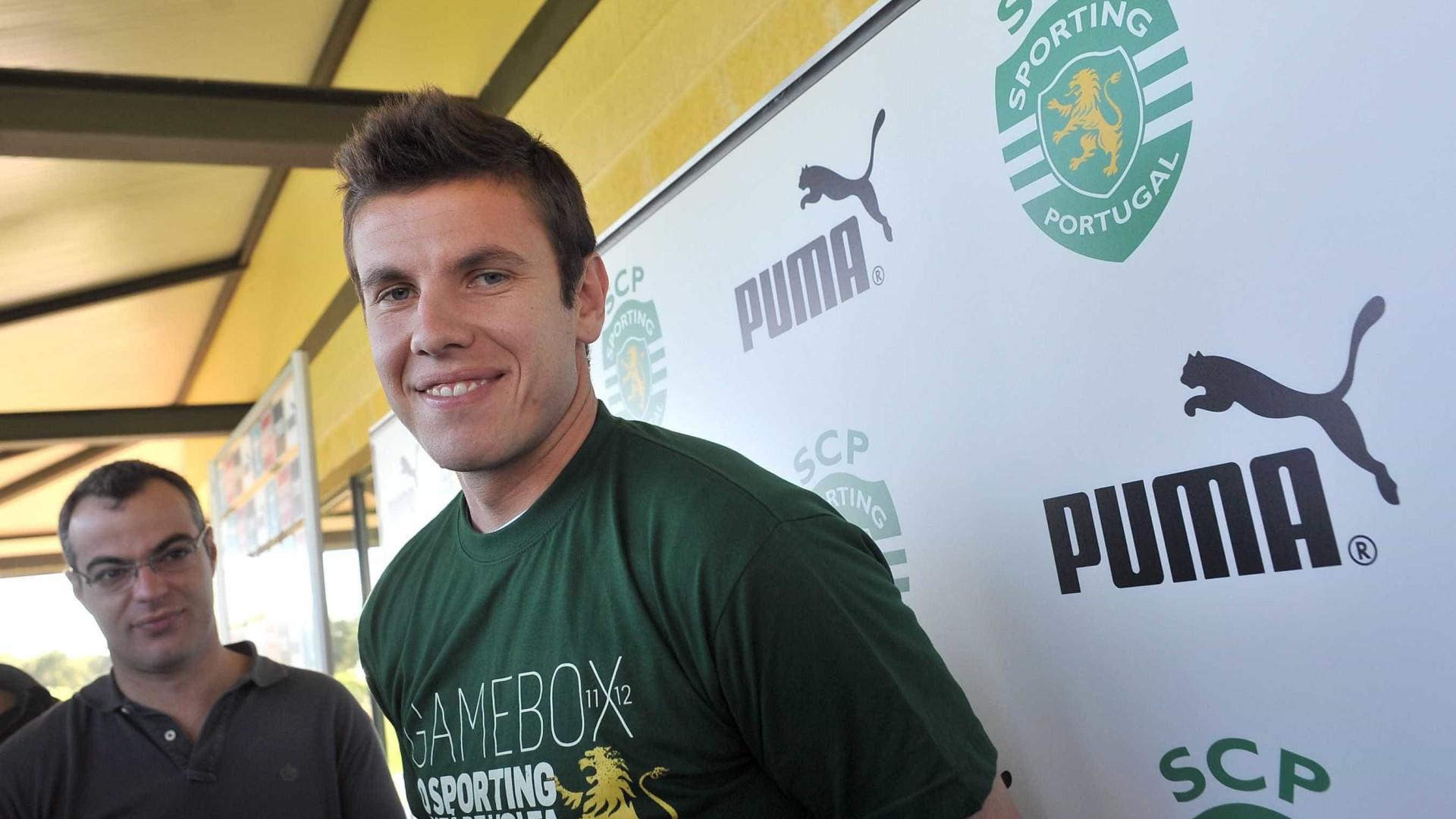 Sporting deixa abraço a Marcelo Boeck, que não viajou com o Chapecoense