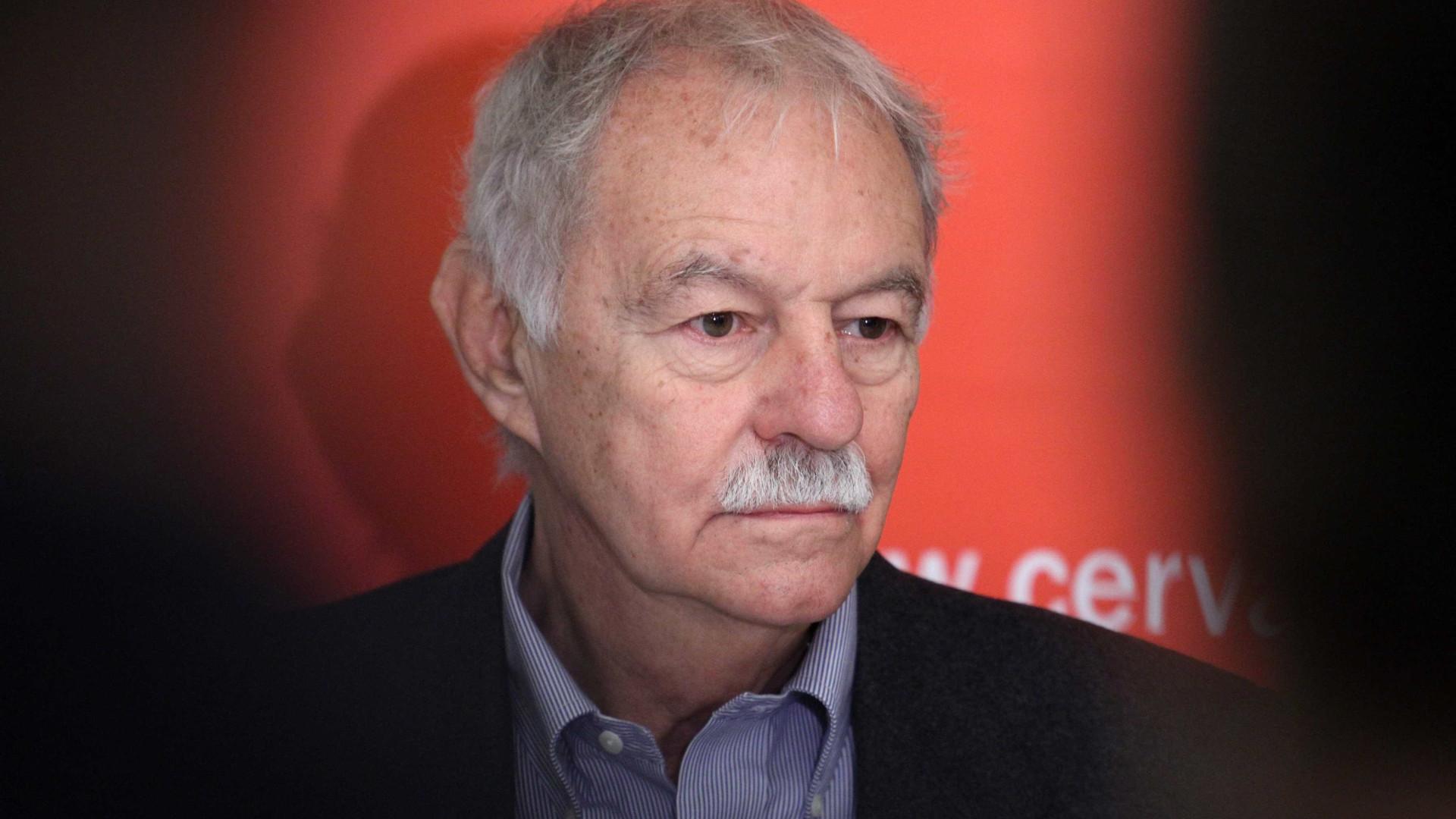 Escritor espanhol Eduardo Mendoza vence Prémio Cervantes 2016