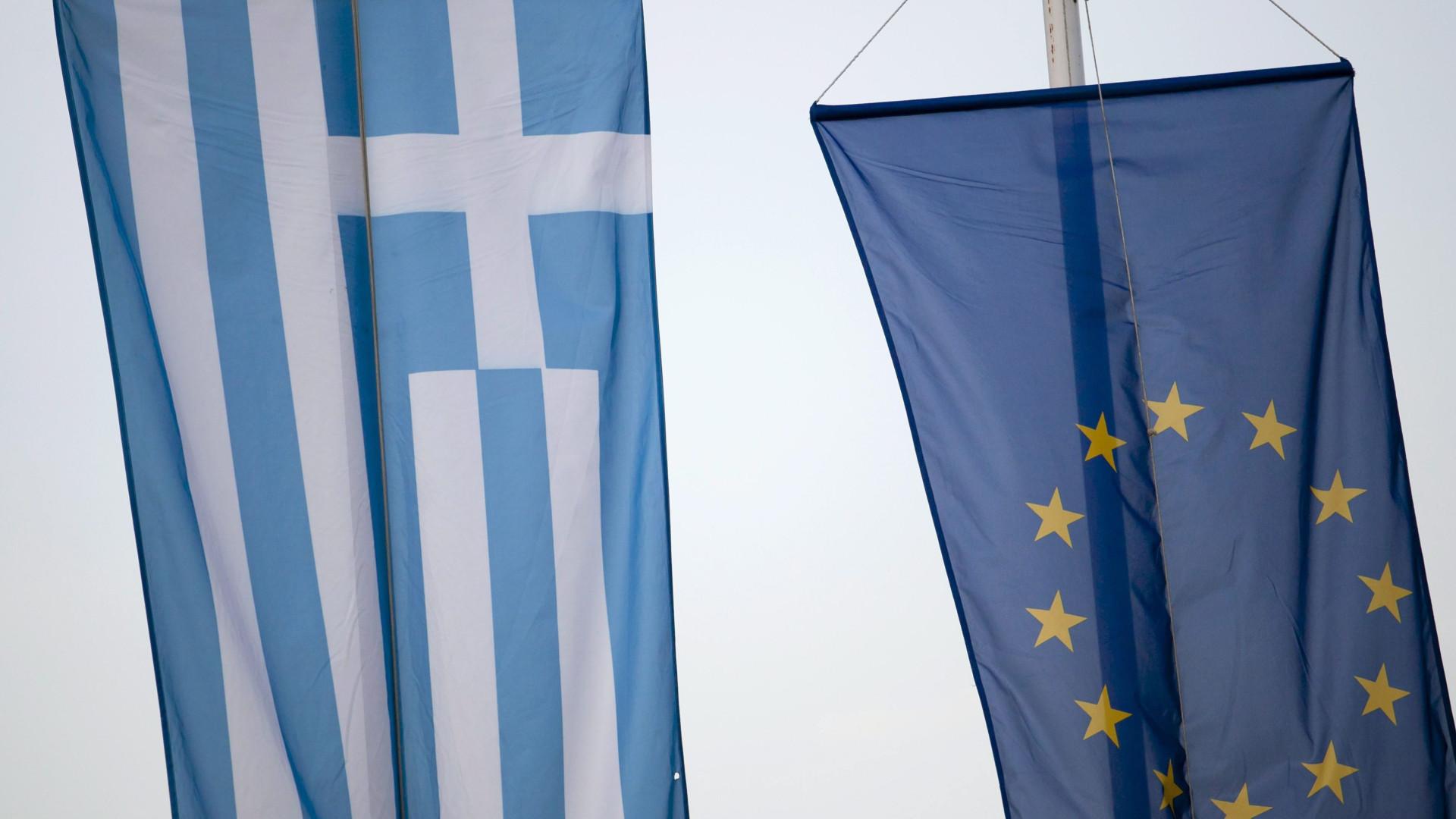 Grécia e zona euro celebram hoje fim de oito anos de resgates