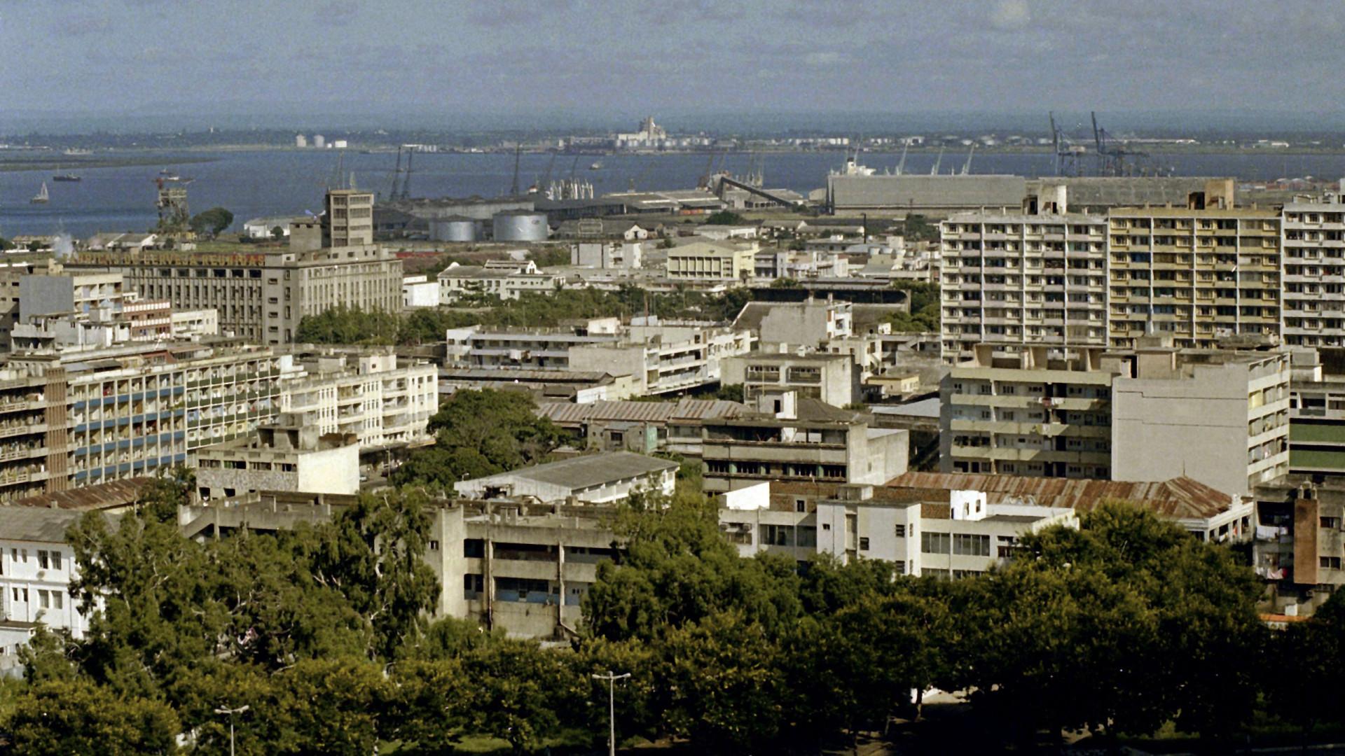 Incêndio provoca avultados prejuízos em armazéns na baixa de Maputo
