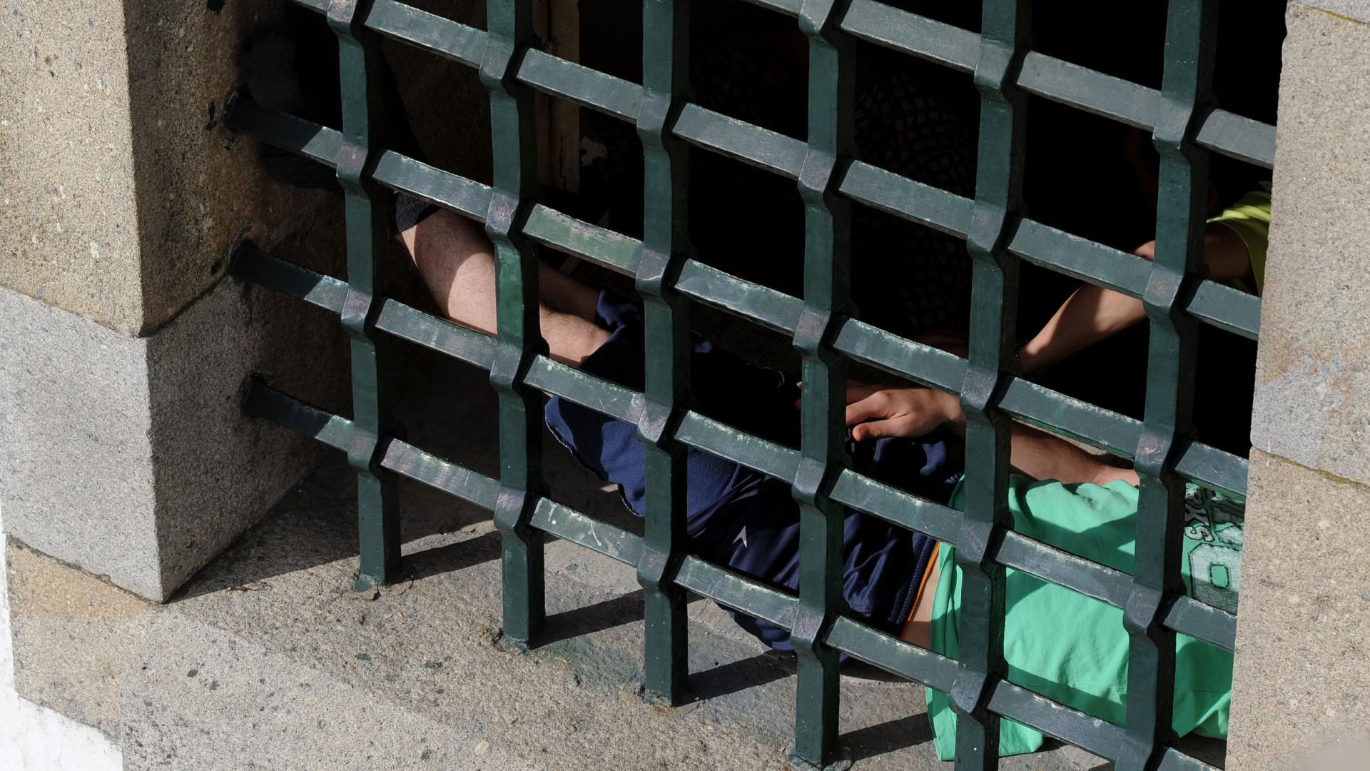 Guardas prisionais iniciam greve e exigem cumprimento de promessas