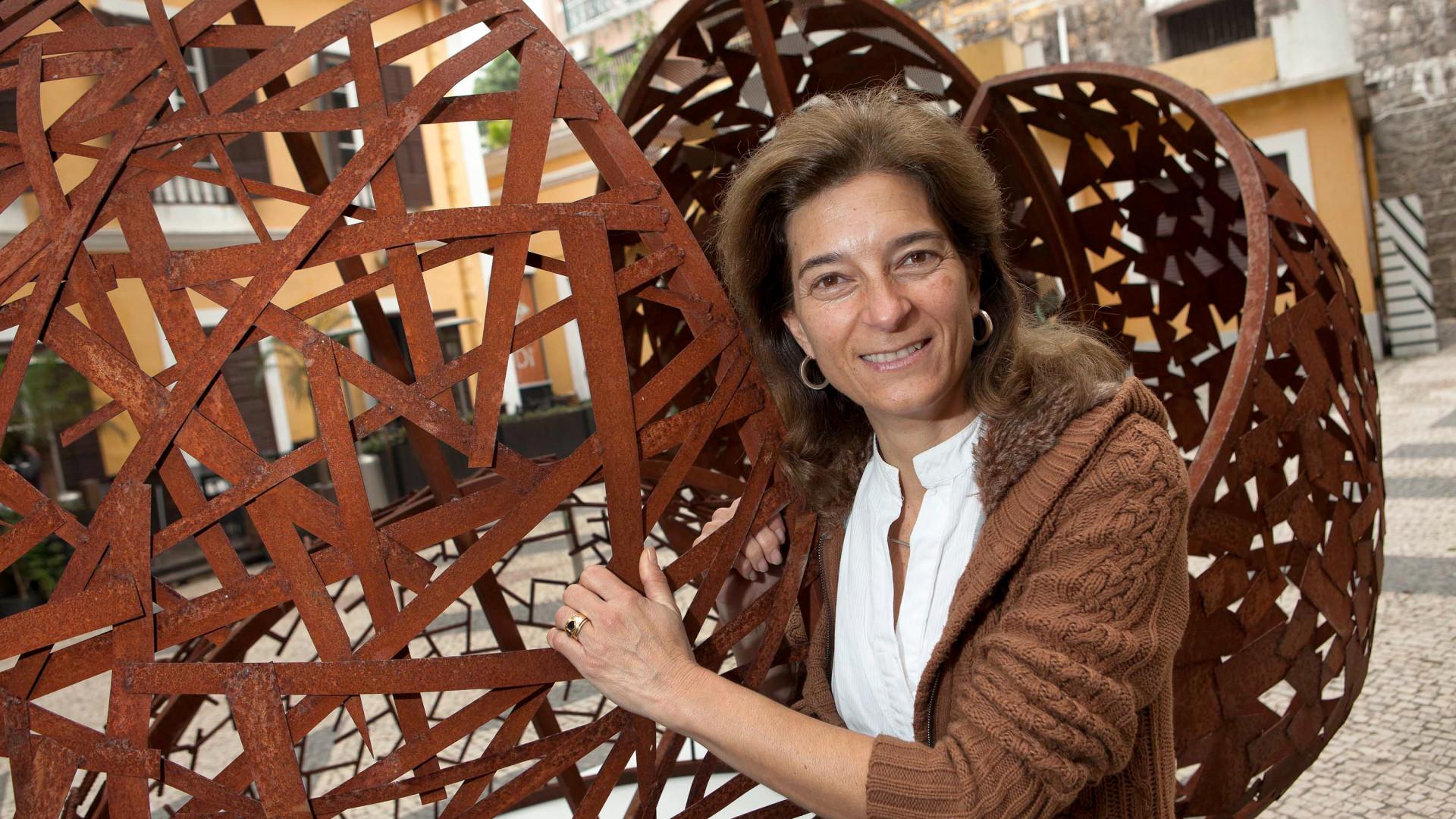 Maria Leal da Costa premiada pela Sociedade de Belas-Artes