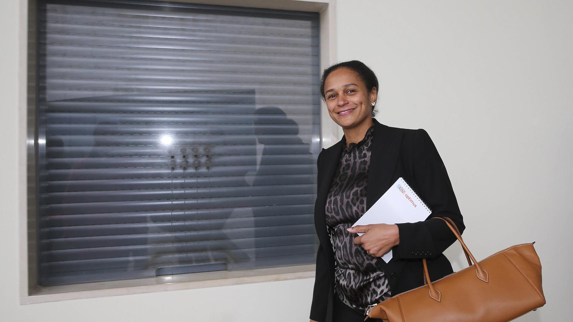 """Isabel dos Santos critica """"despedimentos em massa"""" após saída da Sonangol"""