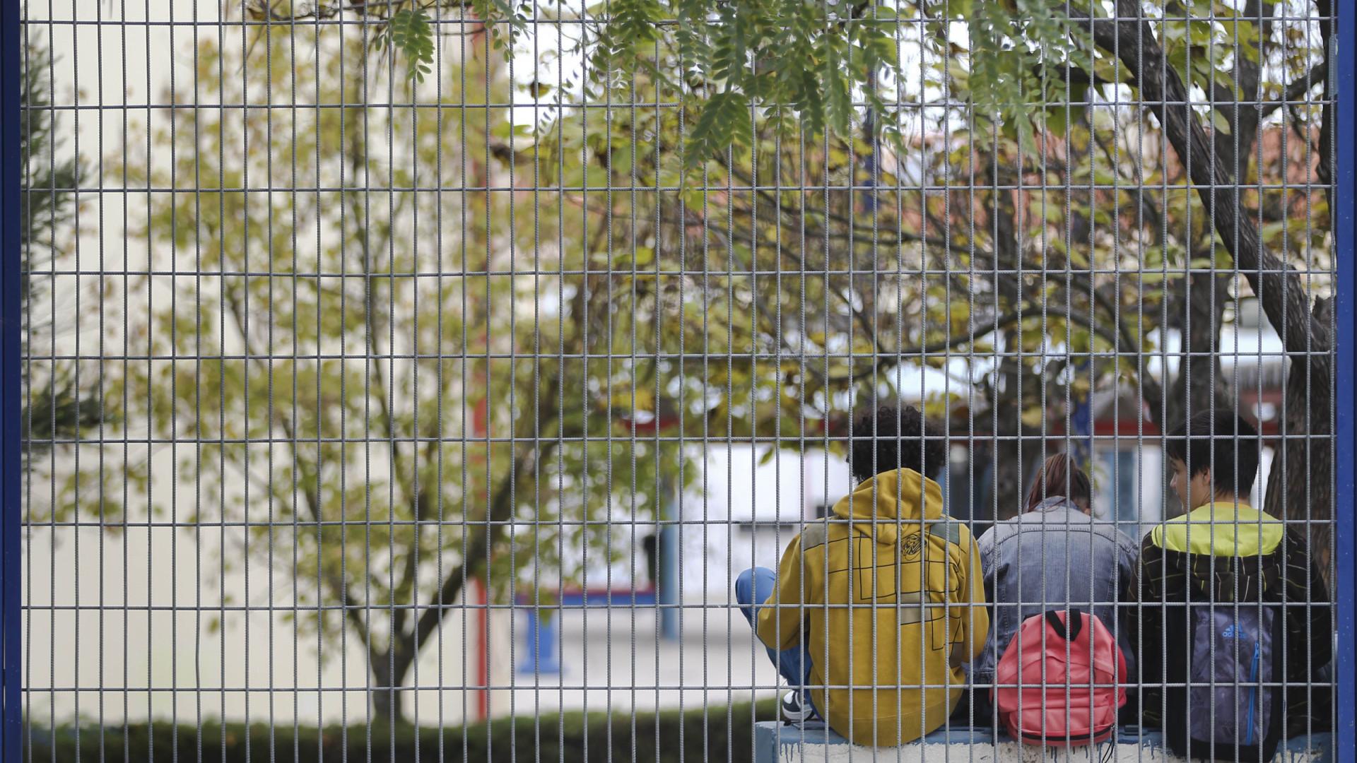 Aulas arrancam com o calendário sindical a sobrepor-se ao escolar