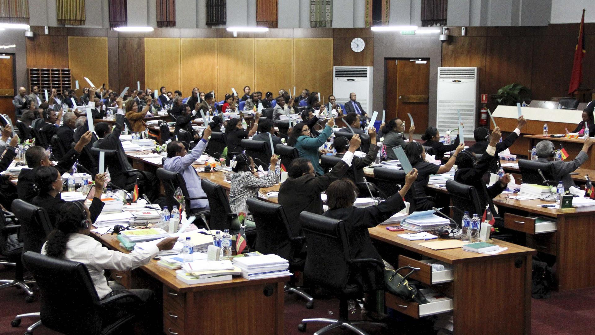 Timor debate terça-feira levantamento de imunidade a deputado arguido