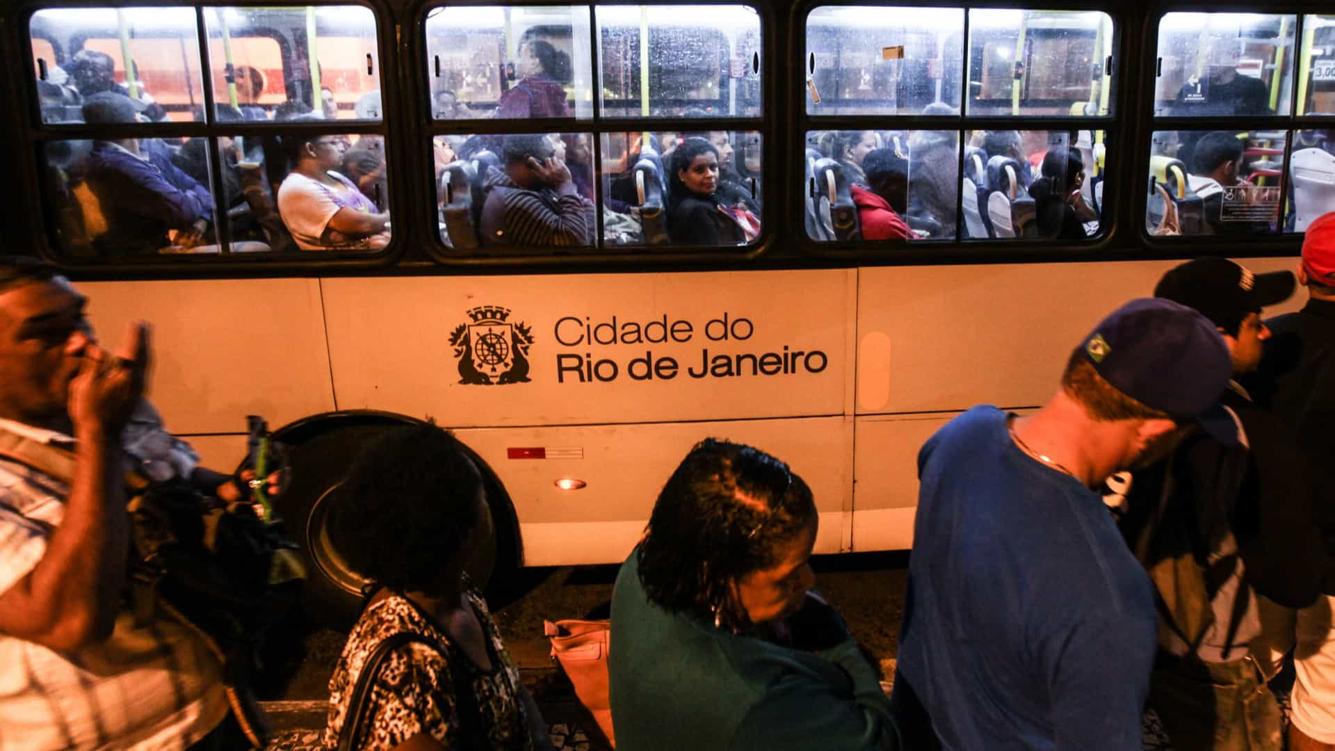 Polícia brasileira investiga rede de corrupção nos transportes do Rio