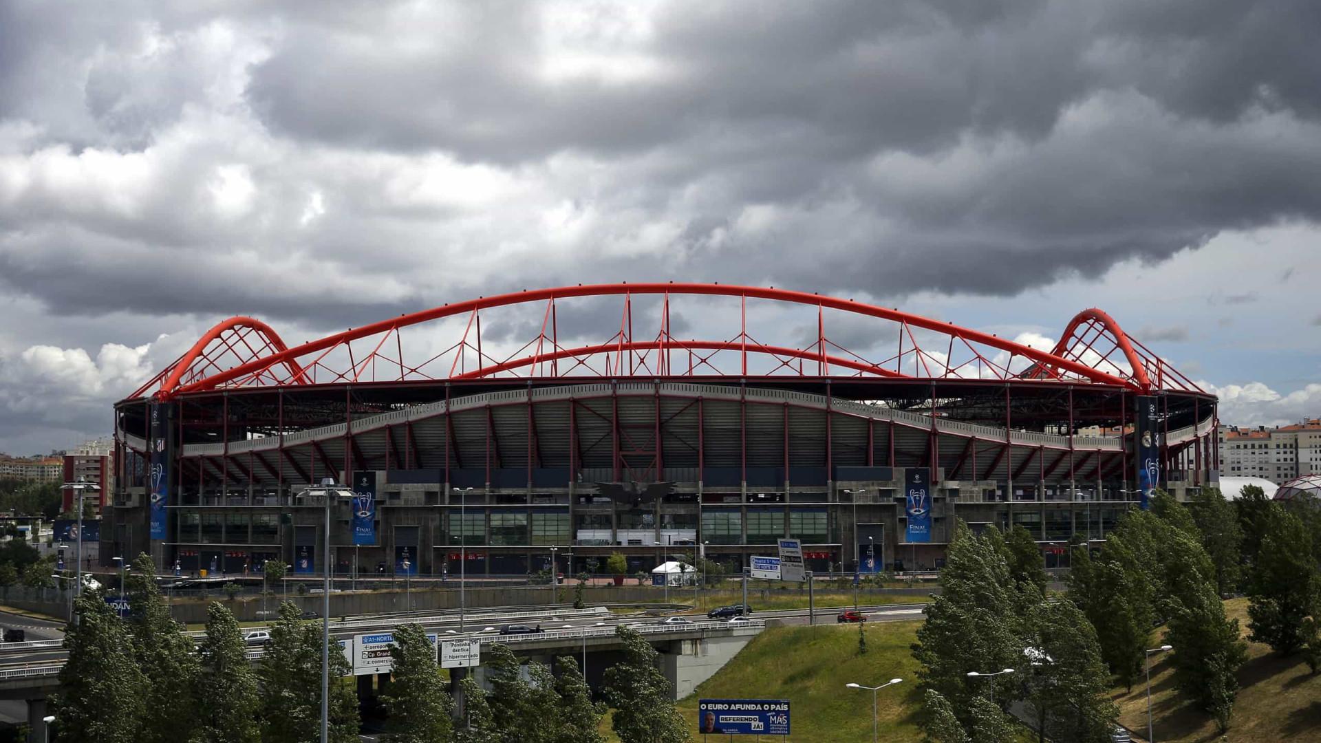 Adiado julgamento de adepto italiano morto junto ao Estádio da Luz