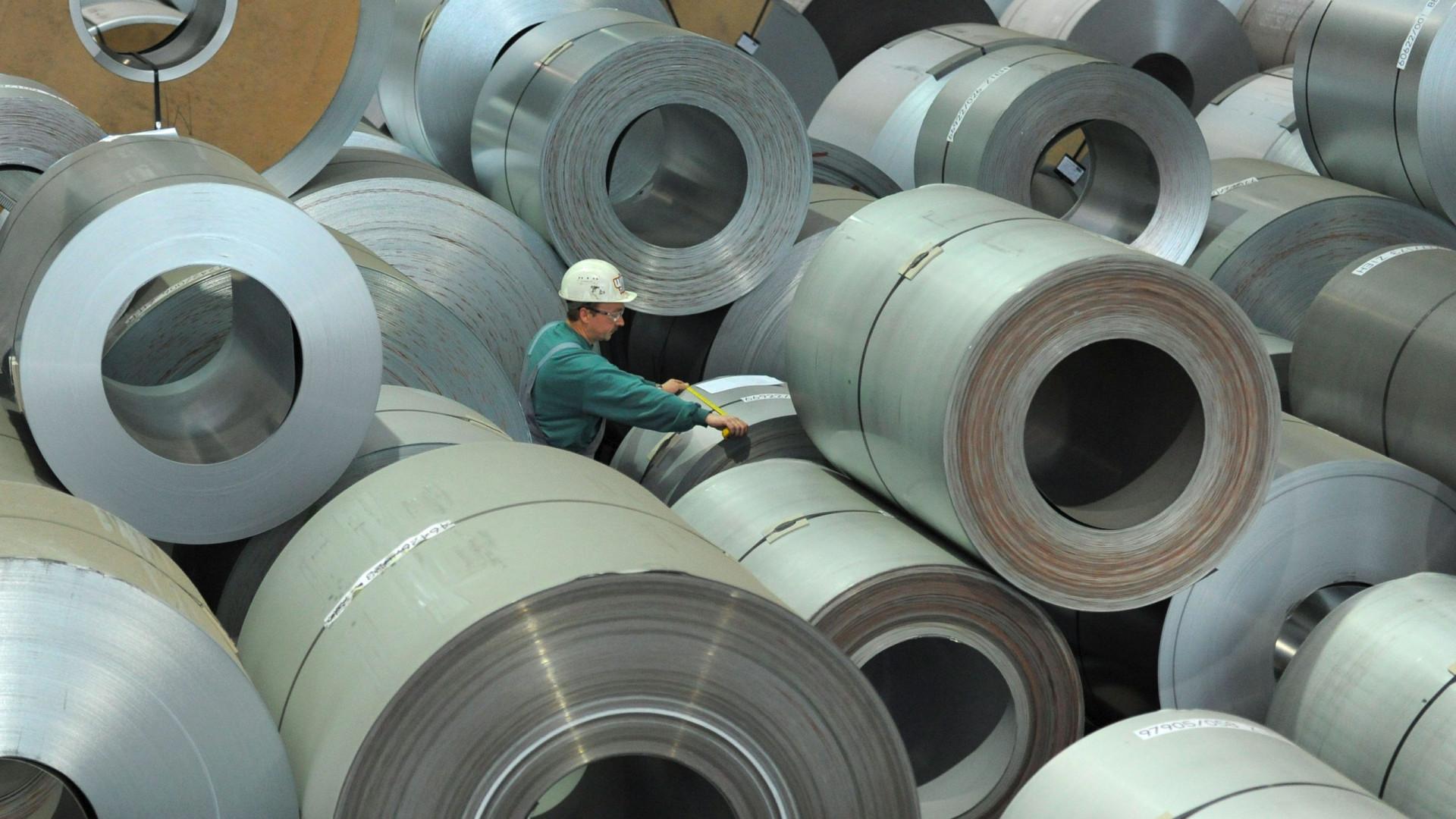 Vendas da indústria abrandam para aumento de 3,6% em dezembro